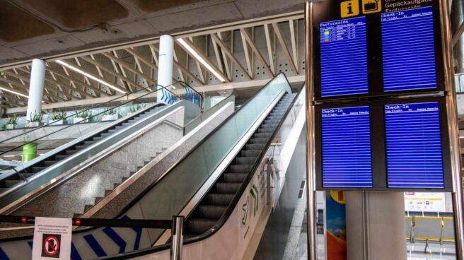 El aeropuerto de Palma de Mallorca vacío.