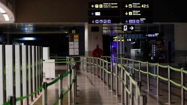 Aeropuerto de Valencia vacío por el estado de alarma.
