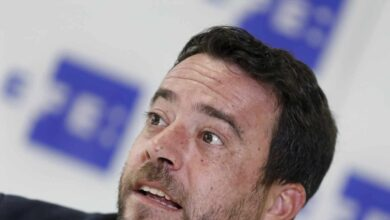 El PSC aparta al alcalde de Badalona tras ser detenido con signos de embriaguez