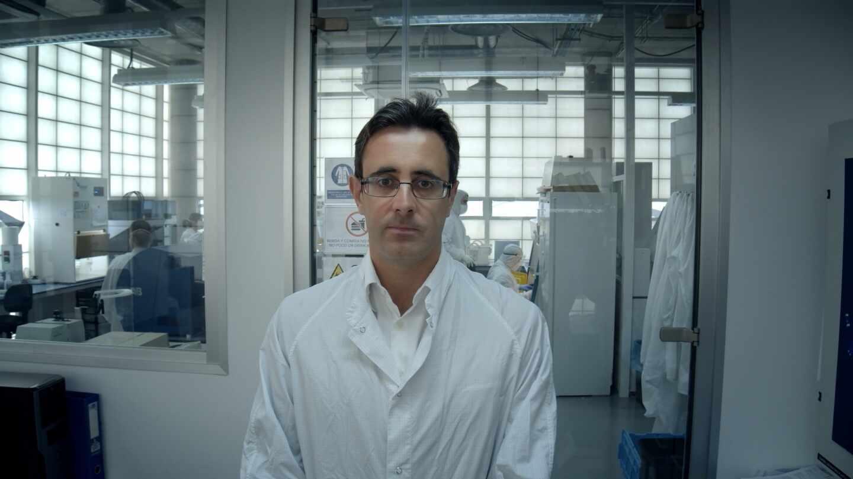 Diego Fernández Infante, ingeniero y presidente de Arquimea Group, en el laboratorio de su empresa.