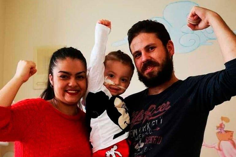 Un niño de 3 años recibe el alta en hospital de La Paz tras seis trasplantes