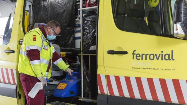 Personal del área de servicios de Ferrovial.