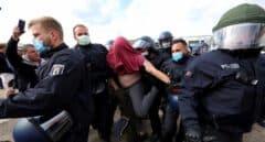 Miles de personas vuelven a salir a las calles de Alemania para protestar contra las restricciones