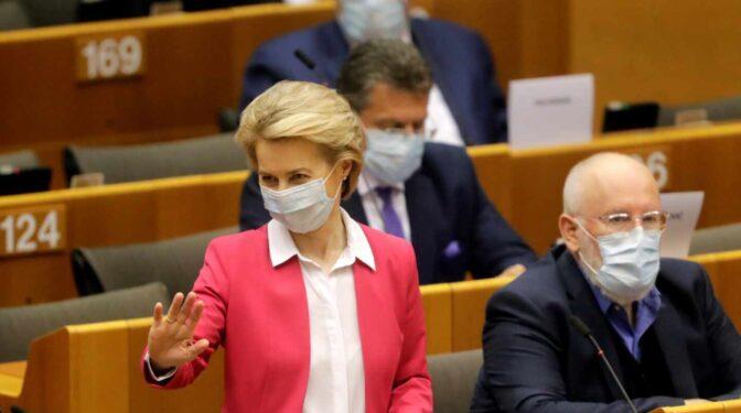 Bruselas anuncia una nueva compra de 900 millones de dosis de la vacuna de Pfizer