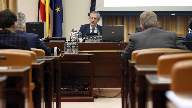 El gobernador del Banco de España, Pablo Hernández de Cos, durante su comparecencia en la en la Comisión de Economía del Congreso.