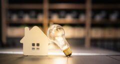 El autónomo también podrá suspender las facturas de luz de casa por coronavirus
