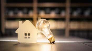 El precio de la luz este abril será un 59 % más caro que la media de los últimos ocho años