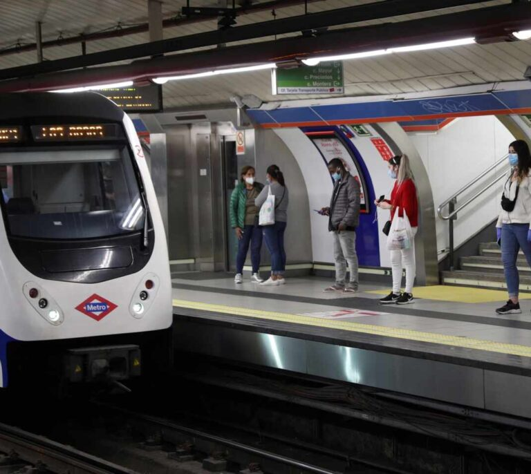 Metro de Madrid controlará desde el lunes el aforo en las estaciones más concurridas