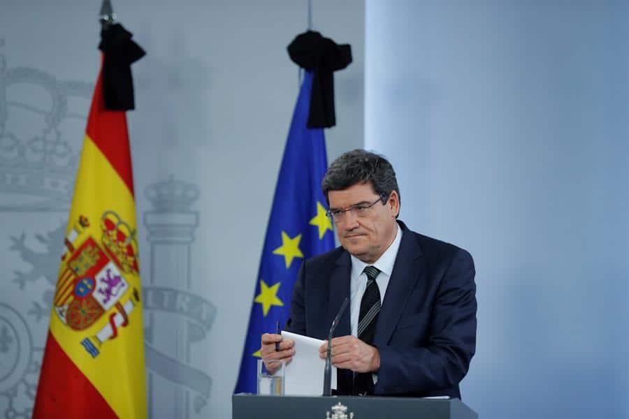 El ministro de Cultura y Deporte, José Manuel Rodríguez Uribes, ofrece una rueda de prensa tras el Consejo de Ministros