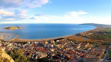 El confinamiento en segunda residencia junto al mar de la élite política catalana