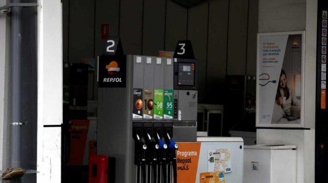 La gasolina vuelve a marcar máximos históricos y llenar el depósito cuesta un 25% más que en 2020