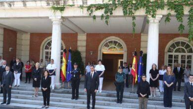 España guarda un minuto de silencio por las víctimas mortales del Covid-19