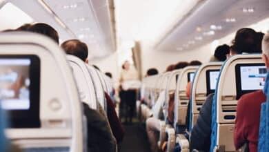 El Gobierno renuncia a obligar a las aerolíneas a dejar asientos vacíos en los aviones