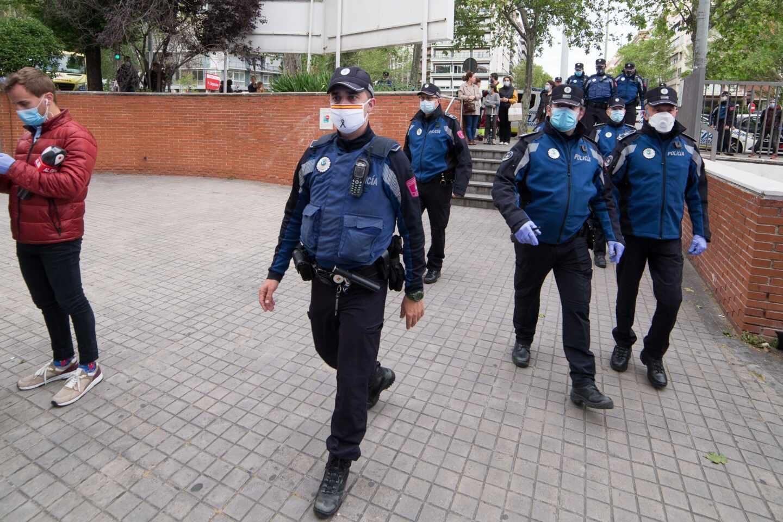 Policía intervino en 342 fiestas y 76 botellones este fin de semana en Madrid
