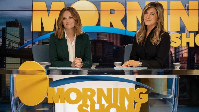 De 'Atípico' a 'The Morning Show': series para ver durante el puente de mayo