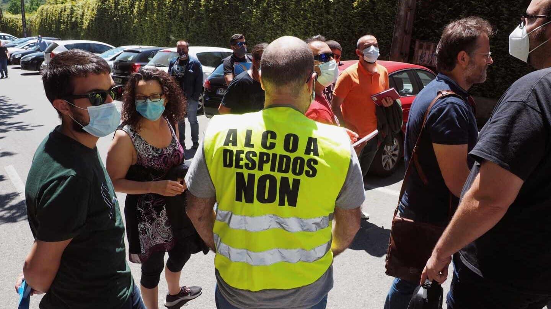 Trabajadores de la planta de Alcoa de San Cibrao, en Lugo.