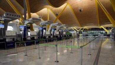 España cierra la mitad de sus aeropuertos y ya sólo se abren si lo solicita una aerolínea