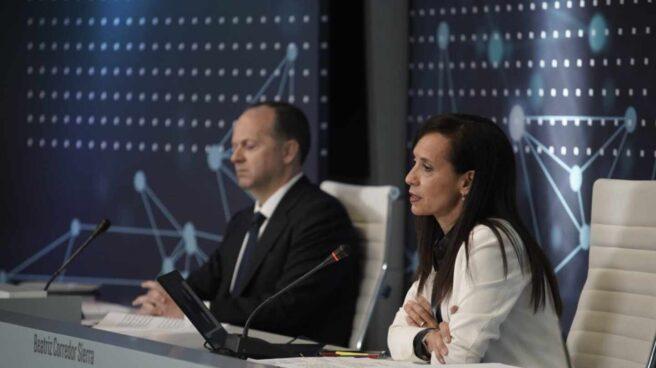 El consejero delegado de Red Eléctrica, Roberto García Merino, y su presidenta, Beatriz Corredor.
