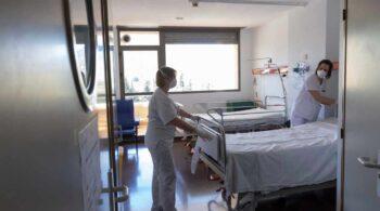 Sanidad notifica 9.561 casos, 168 fallecidos y la incidencia baja once puntos