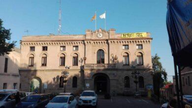 Una alcaldesa de ERC, acusada de  malversación tras denunciar a tres vecinos por descolgar una pancarta