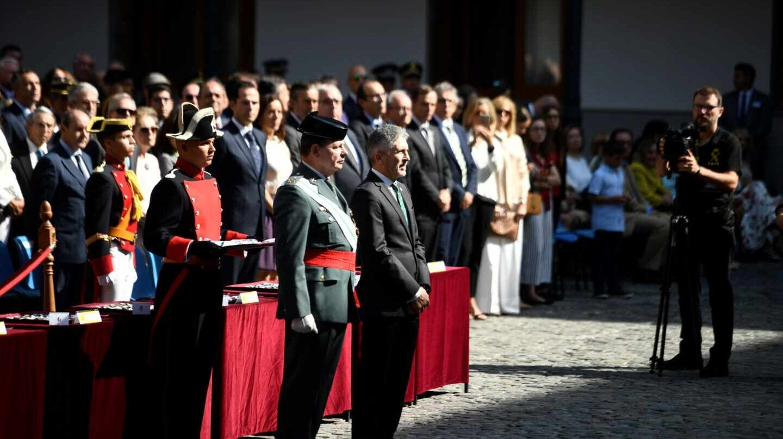 El ministro Fernando Grande-Marlaska y el ya ex DAO Laurentino Ceña, en el acto oficial del último Día de la Patrona.