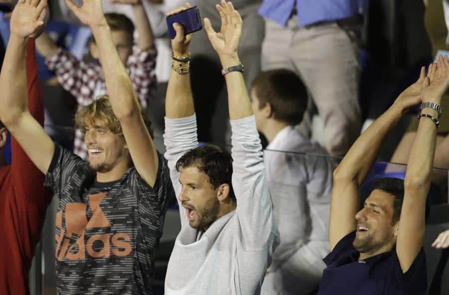 Dimitrov, en el centro, junto a Djokovic y Zverev durante la exhibición de la semana pasada