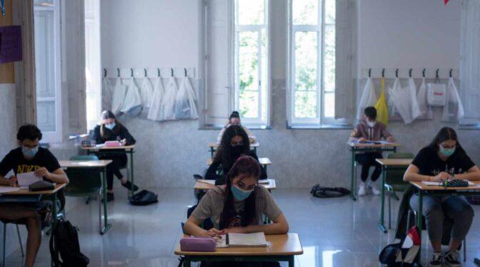 El Gobierno propone recuperar las clases presenciales y que los alumnos sigan usando mascarilla el próximo curso