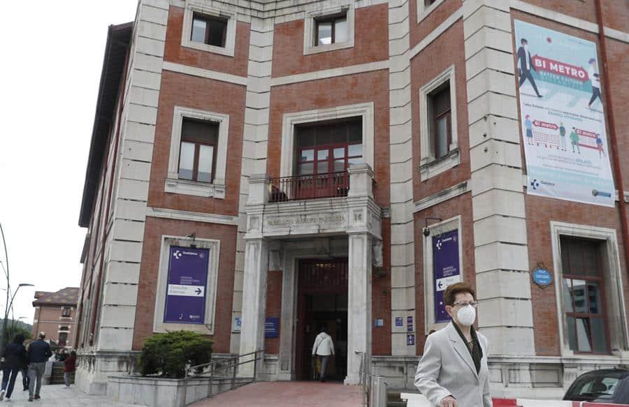 Uno de los accesos al Hospital de Basurto en Bilbao.