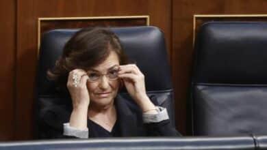 Iglesias abre la veda contra Carmen Calvo para desactivar su poder
