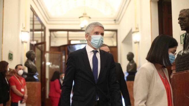 El ministro Fernando Grande-Marlaska, llegando este miércoles al Congreso para la sesión de control al Gobierno.