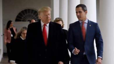 Trump dice ahora que no se opondría a reunirse con Maduro y desaira a Guaidó