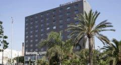 Las hoteleras se disputan los turistas con descuentos agresivos para salvar el verano