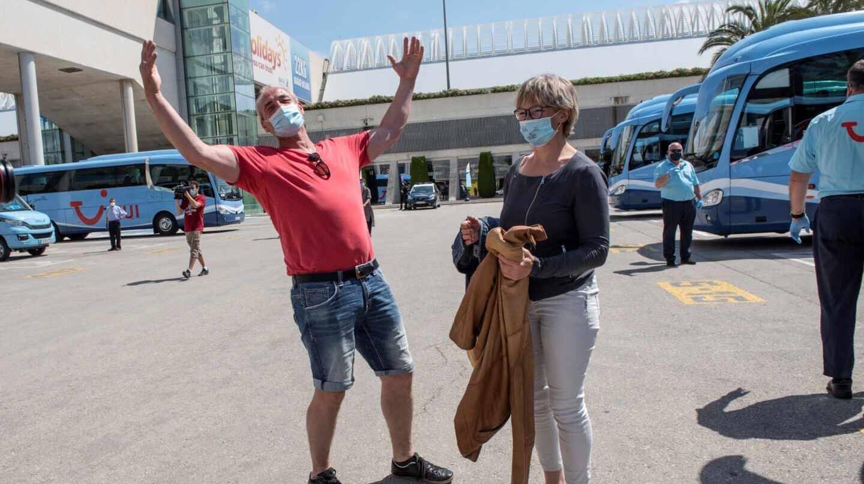 Llegan a España primeros turistas alemanes después de tres meses