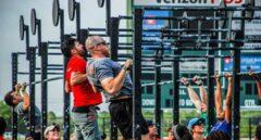 El racismo y el sexismo destronan al fundador de CrossFit