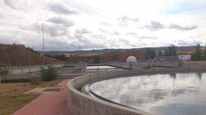Imagen de una depuradora de aguas residuales.