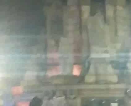 Radicales independentistas provocan un incendio en la estatua de Colón en Barcelona