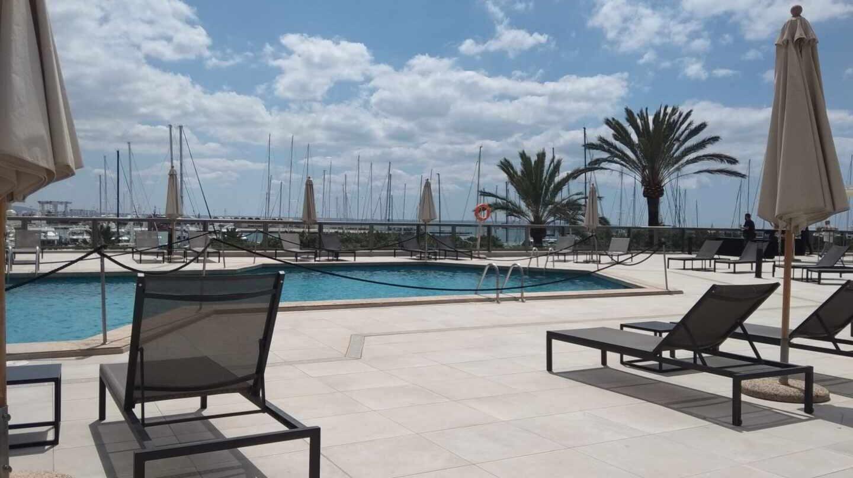 Los hoteles españoles se preparan para la reactivación del negocio este verano.