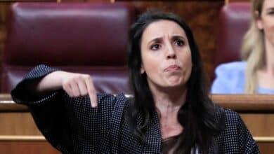 "Sexo, el ""hecho biológico"" que enfrenta a Carmen Calvo con las 'queer' de Podemos"