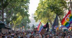 800 personas se manifiestan en Barcelona por el Orgullo LGTB