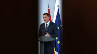 Las eléctricas aprietan a Sánchez para acelerar su 'megaplán verde' y crear ya 300.000 empleos