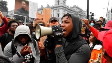 La semana en la que el mundo perdió el miedo al virus para protestar en las calles