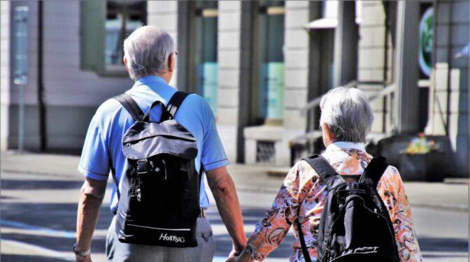 El sector turístico espera que el Gobierno adjudique el programa del Imserso para iniciar los viajes