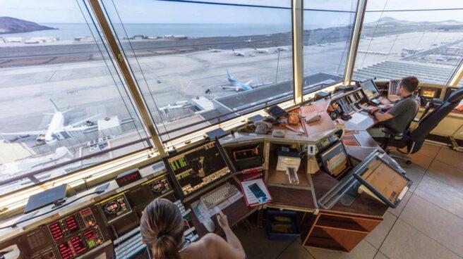 Torre de control del aeropuerto de Gran Canaria.