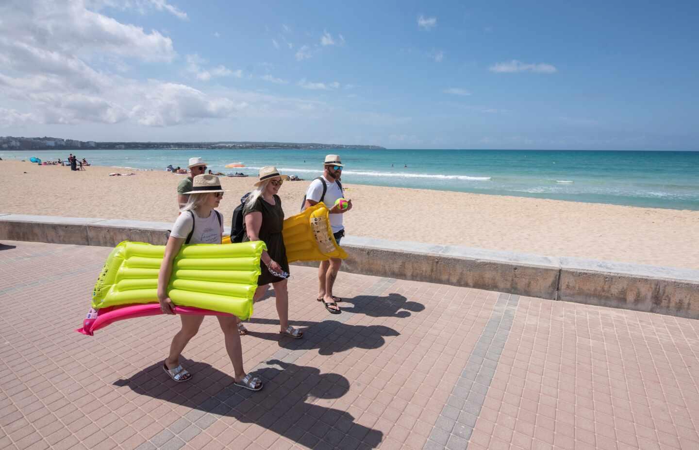 Turistas alemanes en Formentera.