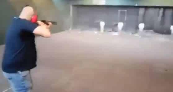 La Guardia Civil deja libre al exmilitar que se grabó disparando a fotos de miembros del Gobierno