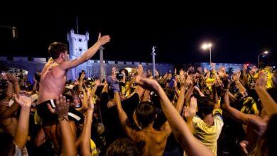 Ni camisetas ni mascarillas: Cádiz celebra el regreso a Primera División