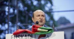 El presidente del PNV, Andoni Ortuzar, durante un mitin electoral.