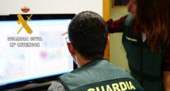 La Guardia Civil advierte de un fraude que ofrece a los mayores vacunarse en casa