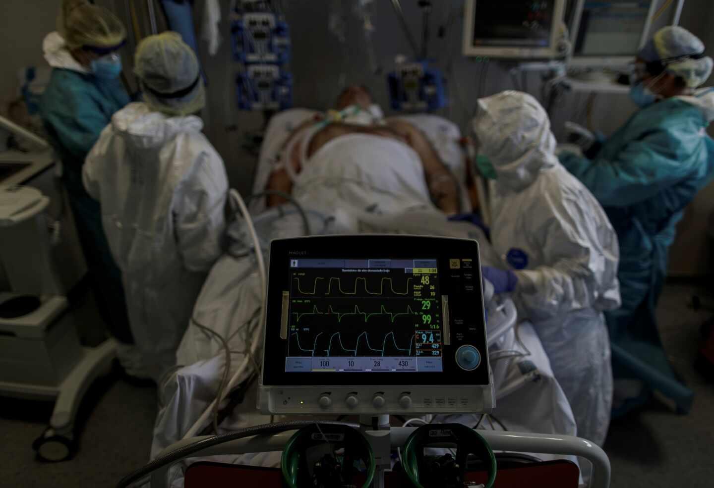 paciente-coronavirus-uci-1440x985