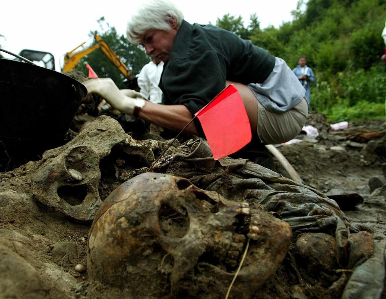 Srebrenica-fosa común
